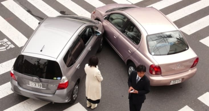 Kebiasaan buruk pengemudi wajib dihindari