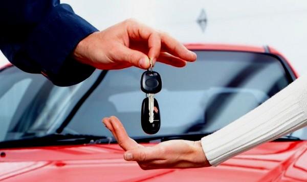 Beli Mobil di Awal Tahun, Untung-Rugi